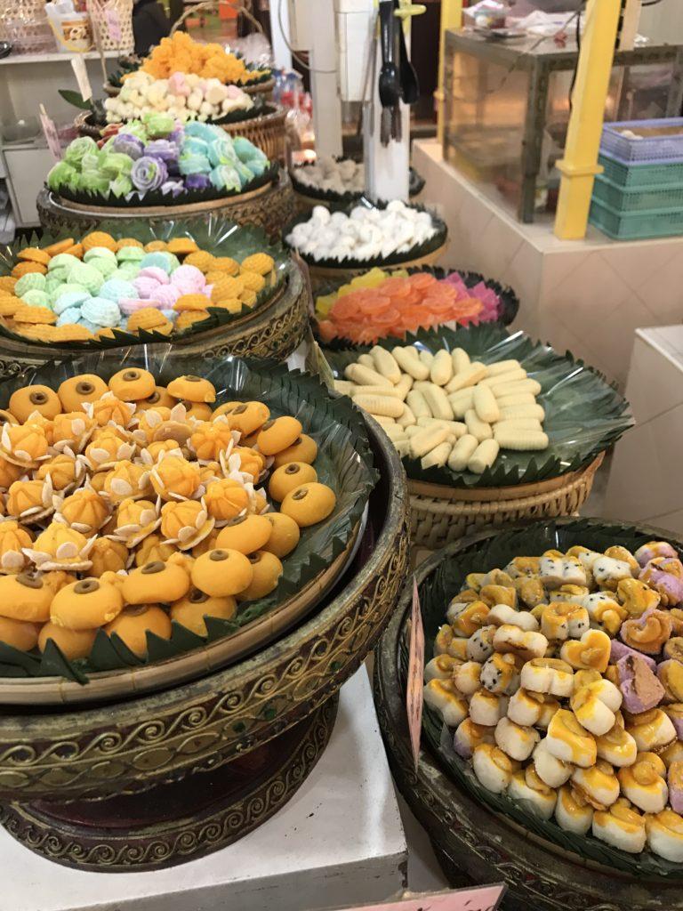 タイの伝統菓子が一気に味わえるバンコク庶民的老舗のデパート オールドサイアムプラザ
